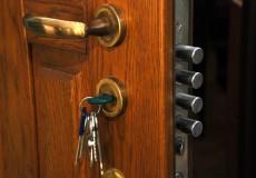 Что делать когда сломался замок в железной двери как открыть своими руками
