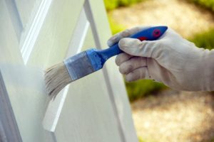Поэтапный ремонт деревянных дверей и подбор дизайна