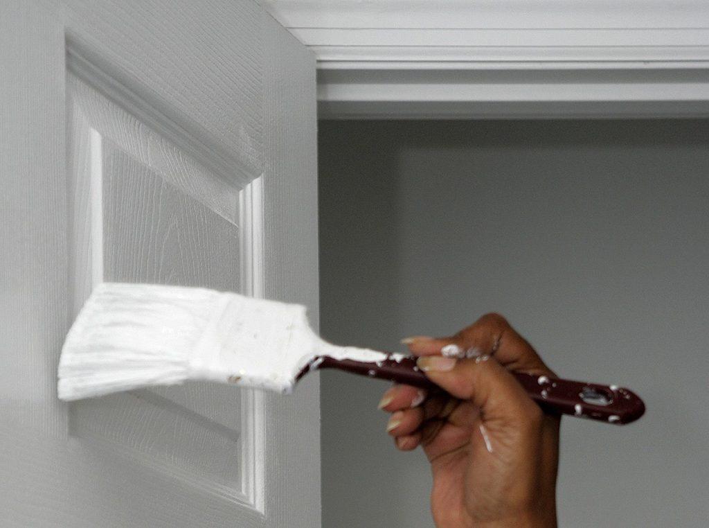 Ремонт шпонированных дверей