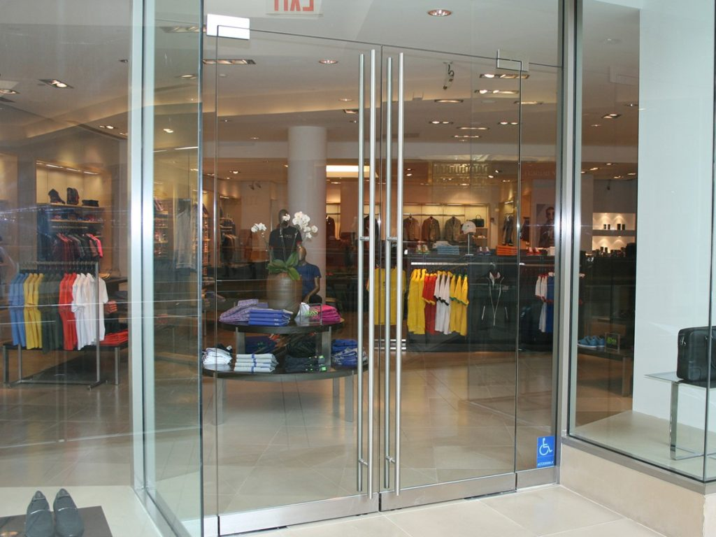 Стеклянная дверь в магазин - купите лучшую