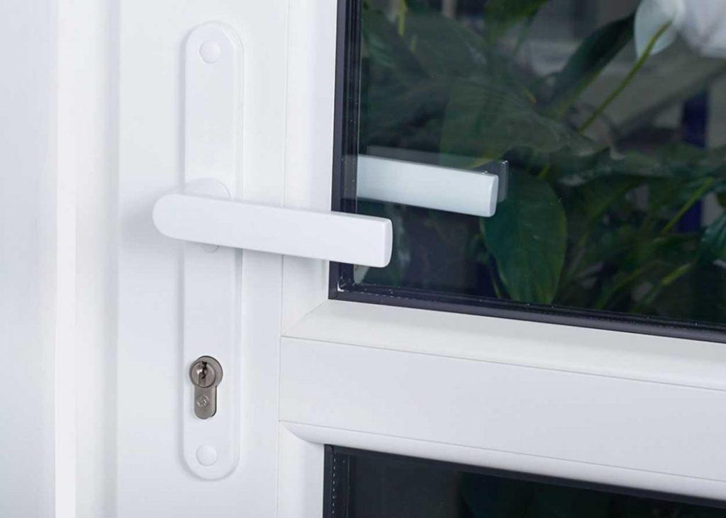 Установка ручек для стеклянных дверей - смогем