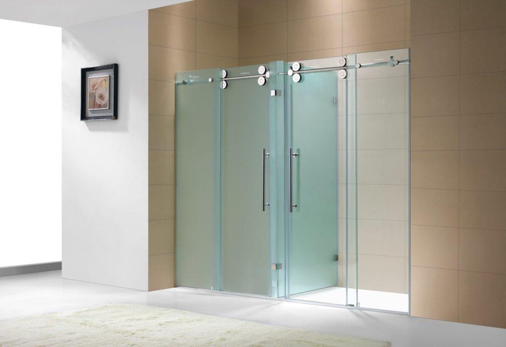 Великолепные стеклянные двери для душевой - в доме и квартире